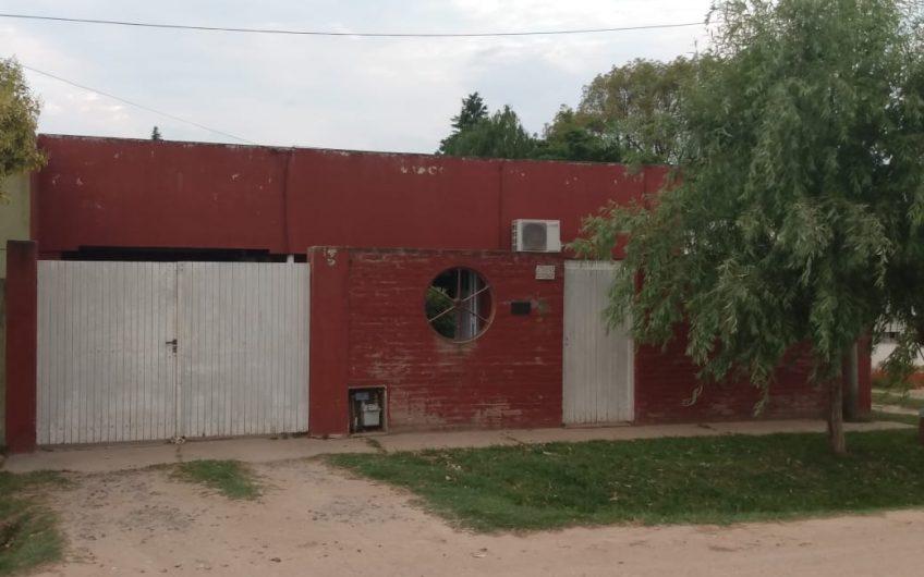 Casa con Quincho en Lobos