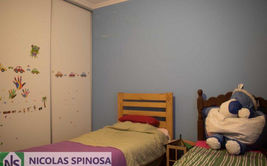 Casa con 3 Dormitorios y Pileta en B° Villa Margarita
