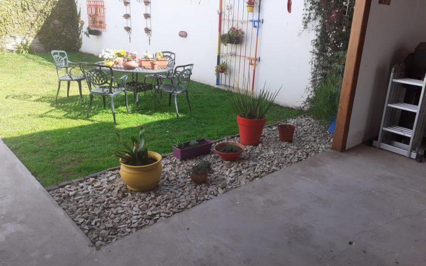 Casa en muy buen estado a 3 cuadras de la plaza principal de Lobos